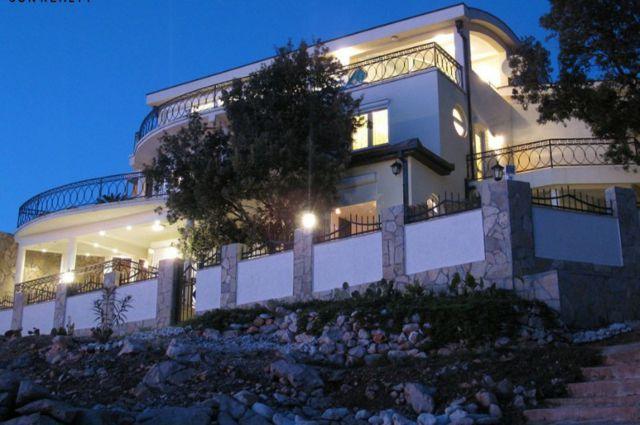 Kuća - 497m² - Bar